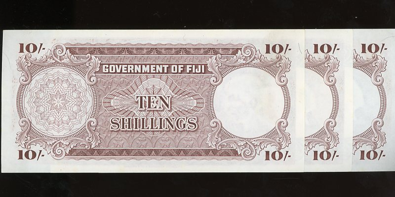 Thumbnail for 1965 Fiji Ten Shillings Banknotes Trio C9 69205-07 gEF