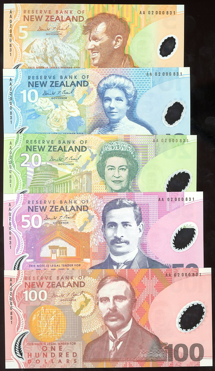 Thumbnail for 2002 New Zealand Set of 5 First Prefix Notes with Matching Serial Numbers AA02 000831 UNC